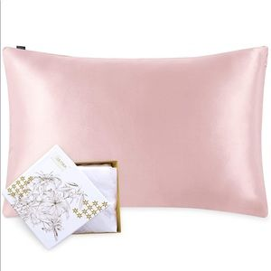 NWT 100% Mulberry Silk Pillowcase with GiftBox